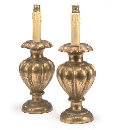 A PAIR OF GILTWOOD TABLE LAMPS