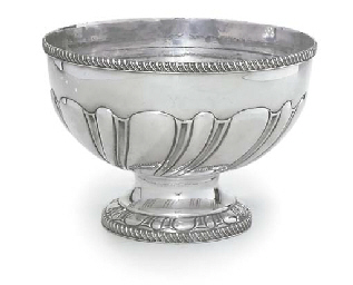 A GEORGE V SILVER ROSE-BOWL