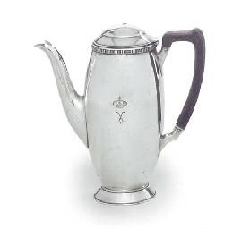 A GEORGE V SILVER COFFEE-POT