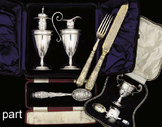 A COLLECTION OF MISCELLANEOUS SILVER ITEMS