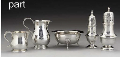 A GROUP OF SILVER ITEMS COMPRISING