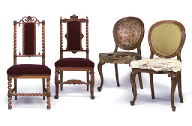 A PAIR OF MID-VICTORIAN OAK DINING CHAIRS, A MID-VICTORIAN O...