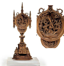 A GERMAN CARVED BOXWOOD TRIPTYCH