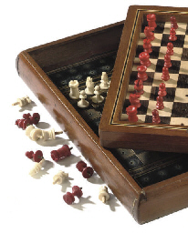 A VICTORIAN BONE TRAVEL CHESS