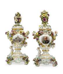 A PAIR OF MEISSEN ARMORIAL FLO