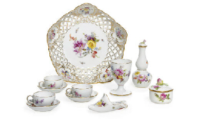 A GROUP OF SMALL MEISSEN WARES