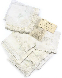 QUEEN MARY'S HANDKERCHIEFS A C