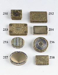 A gold snuff-box