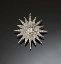 A LATE VICTORIAN DIAMOND BROOC