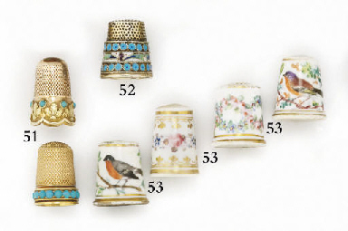 An English porcelain thimble