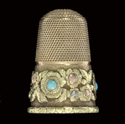 An English gold thimble