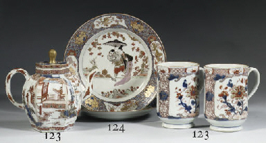 A pair of rose-Imari plates