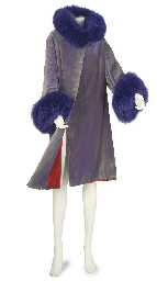 WORTH, A COAT OF MAUVE SILK VE