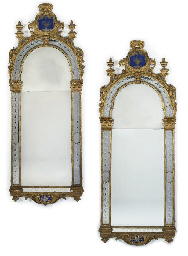 A PAIR OF GEORGE I GILTWOOD AN