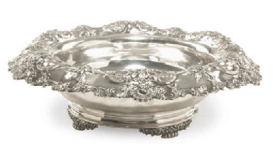 AN AMERICAN SILVER CENTER BOWL