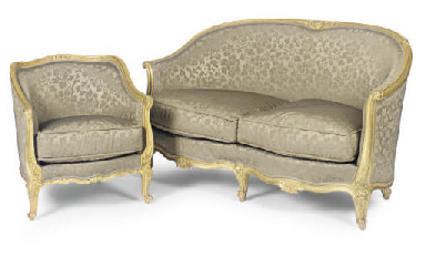 A PAIR OF GILTWOOD BERGERES AN