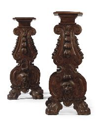 A PAIR OF ITALIAN WALNUT SGABE