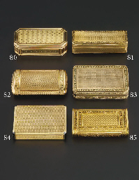 A CONTINENTAL GOLD SNUFF-BOX
