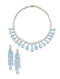 A SET OF AQUAMARINE AND DIAMON