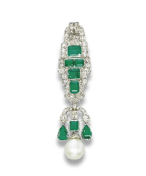 AN ART DECO EMERALD, NATURAL P