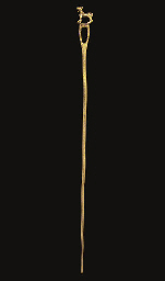 AN ANATOLIAN GOLD LONG PIN