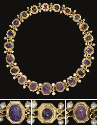A NECKLACE OF TWENTY-ONE ROMAN