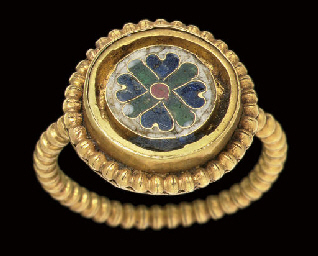 A BYZANTINE GOLD AND ENAMEL FI