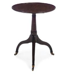 A REGENCY MAHOGANY TRIPOD TABL