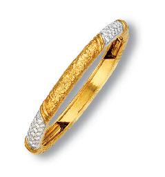 AN 18K GOLD, DIAMOND AND ONYX
