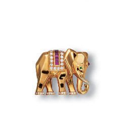 A 18K GOLD ELEPHANT CLIP BROOC