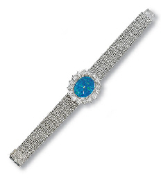 A LADY'S 18K WHITE GOLD, OPAL
