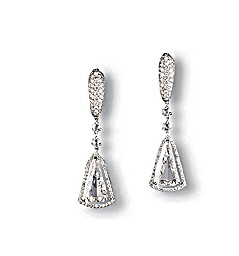 A PAIR OF DIAMOND EAR PENDANTS
