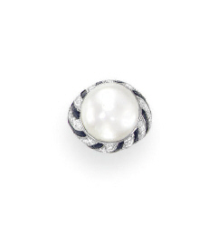 A PEARL, DIAMOND AND ONYX RING