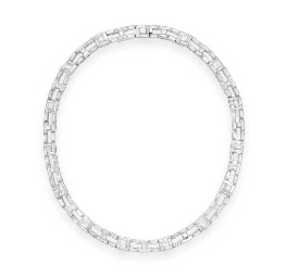 A DIAMOND NECKLACE, BY TIFFANY