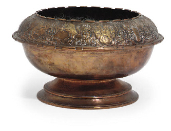 A GEORGE V COPPER BOWL