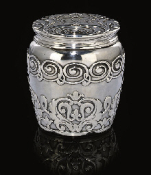 A STERLING SILVER TEA CADDY