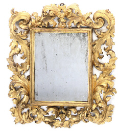 AN FLORENTINE CARVED GILTWOOD