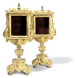 A PAIR OF ITALIAN GILTWOOD MON
