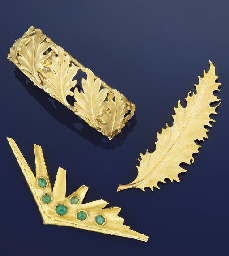 A brooch and bangle by Buccell