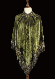 A SHOULDER MANTLE OF DEEP GREE