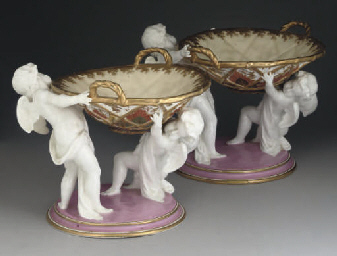 A PAIR OF DERBY CROWN PORCELAI