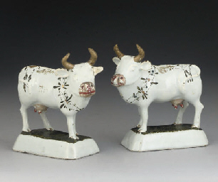 A PAIR OF DUTCH DELFT MODELS O