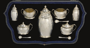 AN EDWARDIAN SILVER 6-PIECE CO