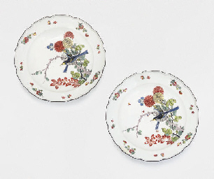 A PAIR OF MEISSEN PLATES