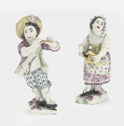 A PAIR OF MENNECY FIGURES OF M