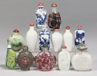 Thirteen Chinese snuff bottles
