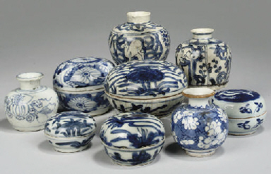 Two Swatow blue and white kraa
