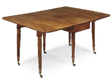 A REGENCY MAHOGANY DROP-LEAF D