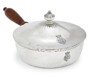 A GEORGE III SILVER VEGETABLE-