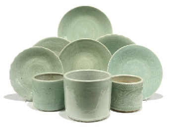 SIX CHINESE CELADON GLAZED DIS